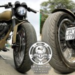 Royal Enfield Classic 500 Combat front and rear angle