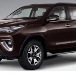 Toyota SW4 Diamond (Toyota Fortuner Diamond) front three quarters