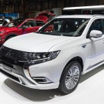 2019 Mitsubishi Outlander PHEV (facelift) front three quarters at GIMS 2018
