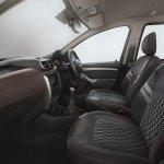 Nissan Terrano Interior