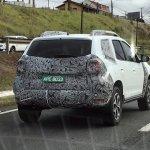Second-gen Renault Duster spy shot Brazil