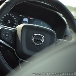 Volvo XC40 review steering logo