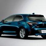2018 Toyota Corolla Hatchback (Toyota Corolla Sport) rear three quarters