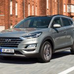 2019 Hyundai Tucson (facelift) front three quarters dynamic