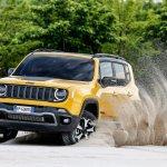 2019 Jeep Renegade Trailhawk action shot front