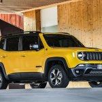 2019 Jeep Renegade Trailhawk side angle