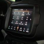 2019 Jeep Renegade facelift touchscreen