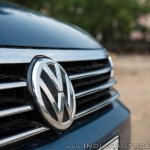 VW Passat review badge