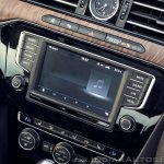 VW Passat review touchscreen