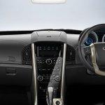 2018 Mahindra XUV500 interior