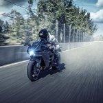 Kawasaki Ninja H2 dynamic front quarter