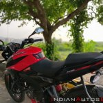 Bajaj Pulsar Ns160 Review Split Seats And Fuel Tan