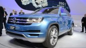 VW CrossBlue Concept at NAIAS 2013 - Front three quarters