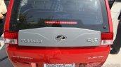 Mahindra Reva E2O rear windshield