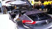 Gull wing door of the Opel Monza Concept
