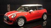 2014 MINI Cooper front quarter LA Auto Show