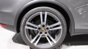 2014 Porsche Cayenne Platinum Edition wheel at NAIAS 2014