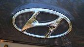 2013 Hyundai Santa Fe Review logo