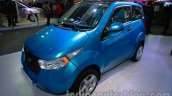 2014 Mahindra e2o front three quarters right