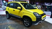 Fiat Panda Cross front three quarter right - Geneva Live