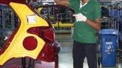 Hyundai India Chennai factory bootlid gas struts fitment