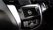 2015 Nissan Navara centre console