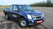 Isuzu D-Max Spacecab Arched Deck Review front three quarter