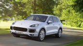 2015 Porsche Cayenne facelift press shots front quarters