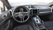 2015 Porsche Cayenne facelift press shots interior