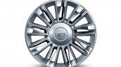 Cadillac Escalade Platinum press image 22 inch alloy wheel