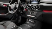 2015 Mercedes B Class facelift press shots steering