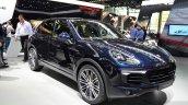 2015 Porsche Cayenne front three quarters left at the Paris Motor Show 2014