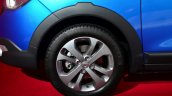 Dacia Lodgy Stepway front wheel at the 2014 Paris Motor Show