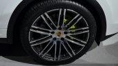 2015 Porsche Cayenne S E-Hybrid Wheel at the Paris Motor Show 2014