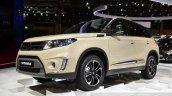 2015 Suzuki Vitara front three quarter at the 2014 Paris Motor Show