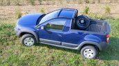 Dacia Duster pickup side