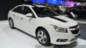 Chevrolet Cruze 1.8 LT Chrome Edition front three quarters left at the 2014 Thailand International Motor Expo