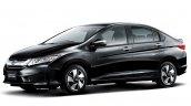 Honda Grace Hybrid front quarters