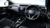 Honda Grace Hybrid interior