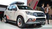 2014 Isuzu MU-X front three quarters at the 2014 Thailand Motor Expo