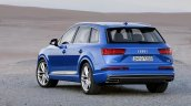2016 Audi Q7 rear three quarters left