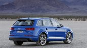 2016 Audi Q7 rear three quarters right view