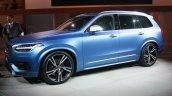 2015 Volvo XC90 R-Design front three quarter at the 2015 Detroit Auto Show
