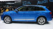 2016 Audi Q7 side at the 2015 Detroit Auto Show