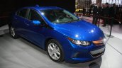 2016 Chevrolet Volt front three quarter at the 2015 Detroit Auto Show