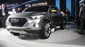 Hyundai Santa Cruz Crossover Concept front angle at the 2015 Detroit Auto Show