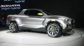 Hyundai Santa Cruz Crossover Concept front quarter at the 2015 Detroit Auto Show