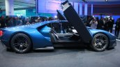 New Ford GT side angle at the 2015 Detroit Auto Show