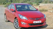 2015 Hyundai Verna petrol facelift front three quarter