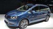 2015 Volkswagen Sharan front three quarter view at 2015 Geneva Motor Show